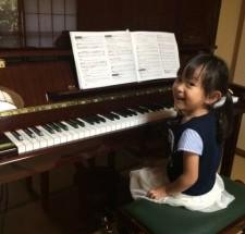 ペトロフ P131の納入調律に行った。小さなピアニスト シリーズ8