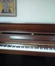 ベヒシュタイン クラシック118の納品に行った。