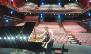 グロトリアン コンサートグランドピアノ