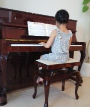 ペトロフの調律に行った。小さなピアニスト シリーズ9