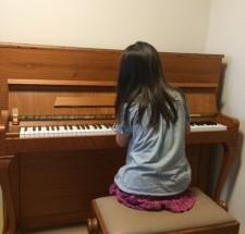 ペトロフの調律に行った。小さなピアニスト シリーズ6