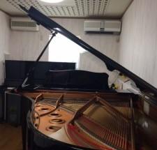 ピアノ教室の調律に行った。
