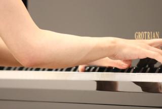 ピアノの鍵盤のサイズに関して