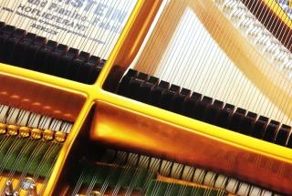 Q1ピアノにダンパーが付いている理由を教えて下さい。