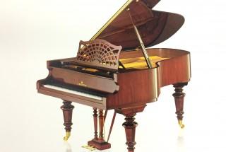 ■輸入アップライトピアノ 艶出し艶消し 音色の違い -1