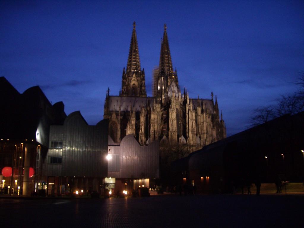 ケルン大聖堂夕景