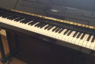 グロトリアン フリードリッヒの納品に行った。  輸入ピアノ GROTRIAN