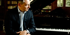 ミシェル・ダルベルトとベヒシュタイン 輸入ピアノ BECHSTEIN