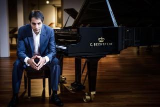 サリーム・アシュカール(Pianist) -2 輸入ピアノ BECHSTEIN