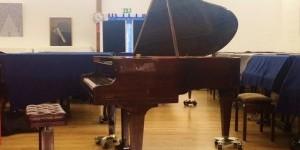 ピアノパッサージュ ベヒシュタイン Mod.L-165 マホガニー艶出