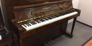 今月のおすすめピアノ! ペトロフ P118P1 ウォルナット艶出