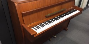 今月のお勧めピアノ スタインウェイ F-104 ハンブルグ ウォルナット 艶消