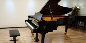 C.BECHSTEIN C-232(C91) 1994年製 入荷しました。輸入ピアノ ピアノパッサージュ
