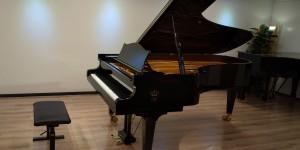 C.BECHSTEIN C-234(C91) 1994年製 入荷しました。輸入ピアノ ピアノパッサージュ