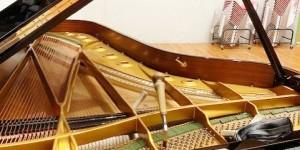 ピアノが語ってくれたものシリーズ ピアノの響板特性とハーモニー調律  その11 ユニゾン合わせで微妙に下がる音